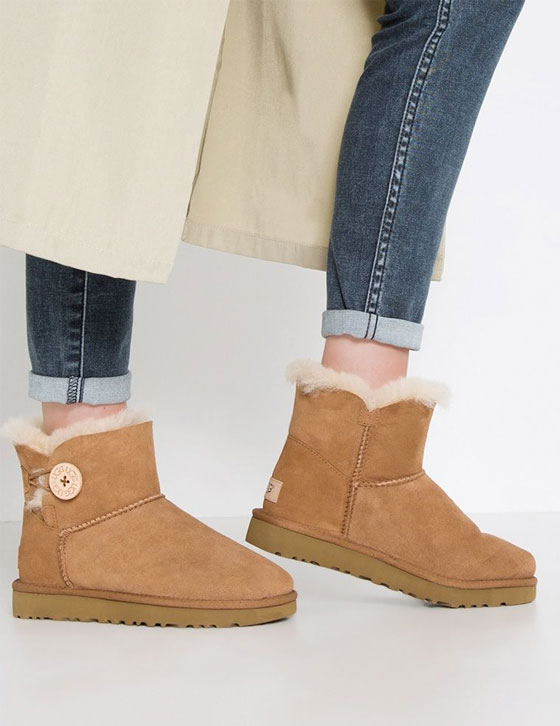 1016422 Mini Bailey Button II Boot